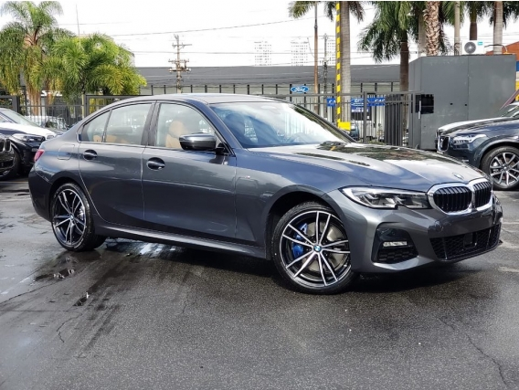 BMW 330e Cinza 0 km