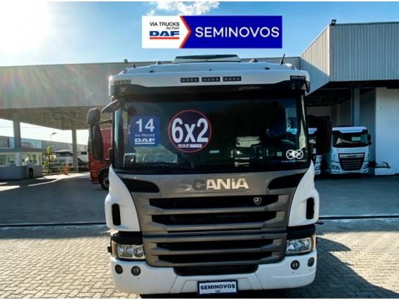 Caminhão Scania P 360 6x2 Diesel 2014