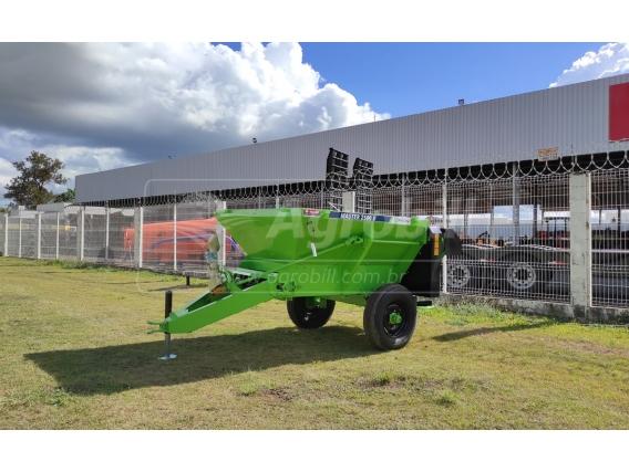 Distribuidor de Fertilizantes PICCIN Master 2500 D com Esteira Precisa