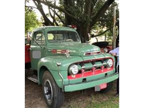 Caminhão Ford F8 Ano 1952