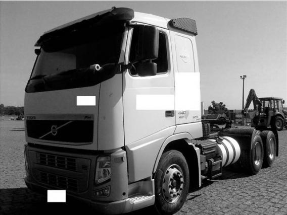 Caminhão Volvo Fh 440 Ano 2010