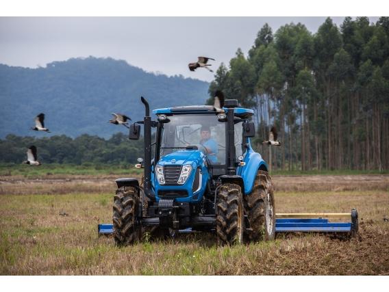 Trator 125 CV - LS Tractor H125 Cabinado 4X4