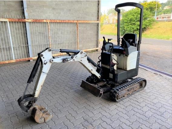 Mini-Escavadeira Bobcat 418