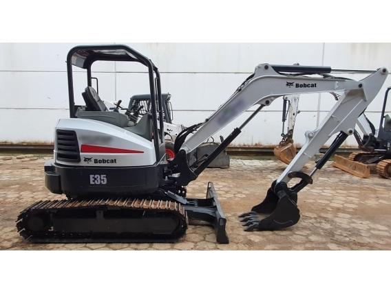 Mini-Escavadeira Bobcat E35