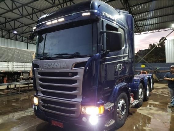 Scania R 440 Streamline 8X2 Ano 2016 01