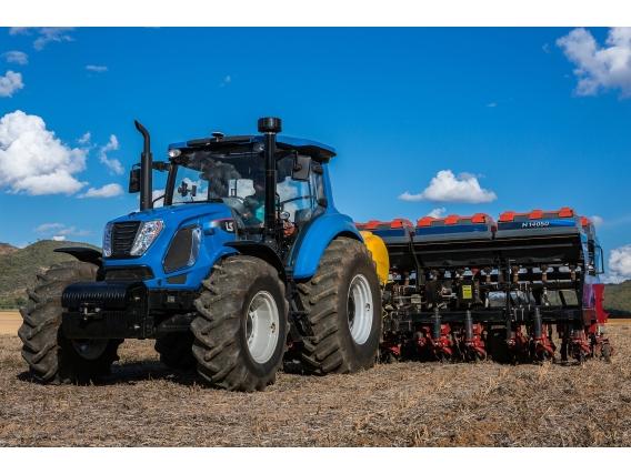 Trator 145 CV - LS Tractor H145 Cabinado 4X4