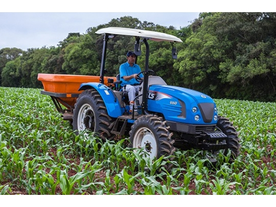 Trator 65 CV - LS Tractor U60 Plataformado 4X4