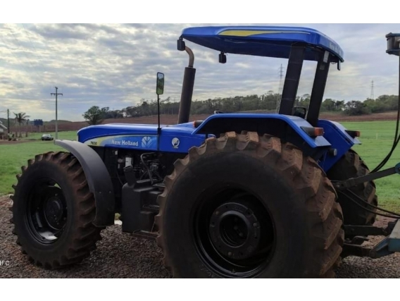 Trator New Holland 7630 Ano 2013
