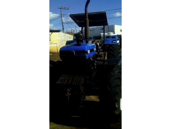 Trator New Holland New 7630 Ano 2004