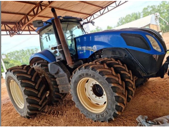 Trator New Holland T8 385 Ano 2013